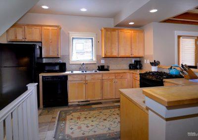 203 Horseshoe_11 kitchen
